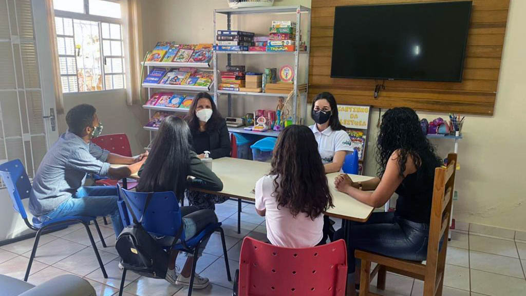 Encerramento do curso com a presença da coordenadora pedagógica do Capaz e Assistente Social da Aprocaf